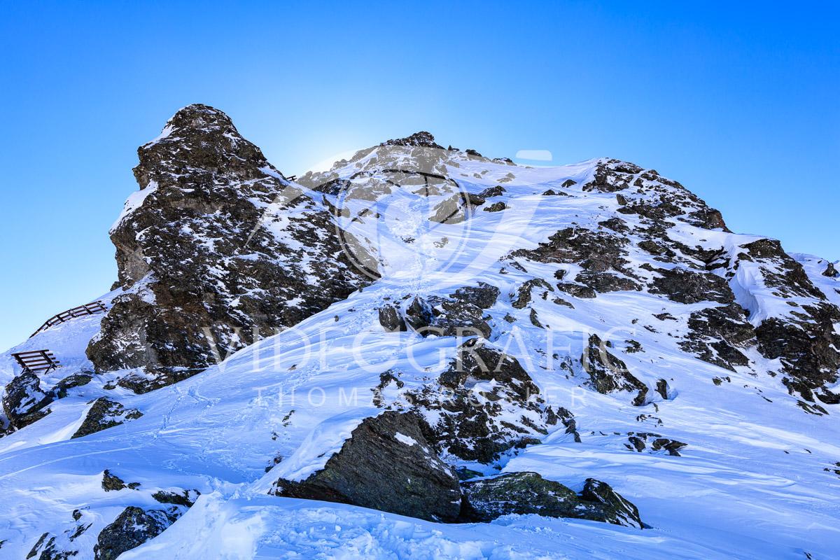 snowcapped-mountains-047.jpg